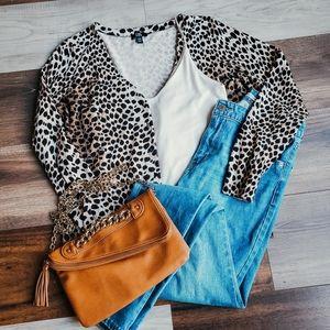 Leopard print cardigan 🐆